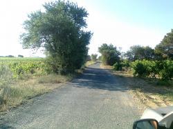 voie arrive à Villefalse et Pech-Maho